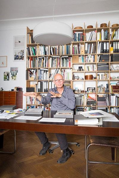 Moormann Regal mit Schreibtisch im Arbeitszimmer