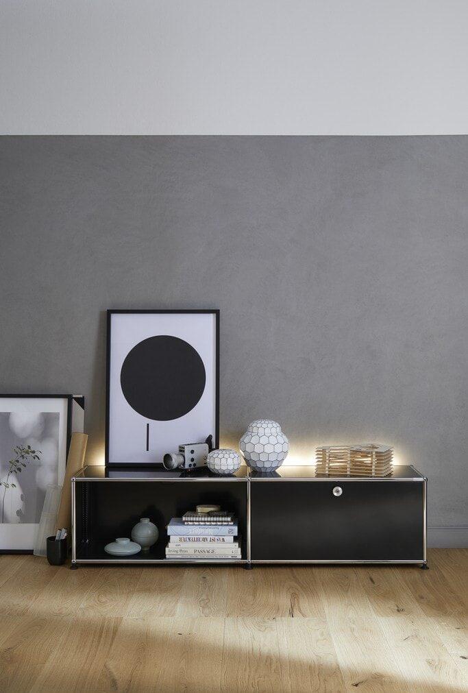 USM Haller TV-Möbel / Sideboard mit Beleuchtung fürs Wohnzimmer
