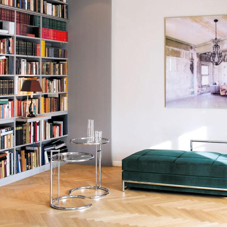 Adjustable Table E1027 - Beistell- und Couchtisch von Eileen Gray