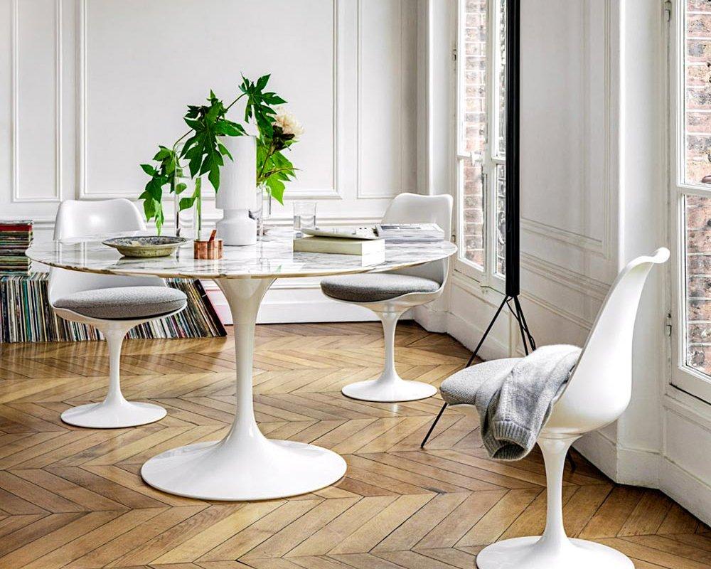 Tulip Chair und Esstisch, Knoll International // Eero Saarinen (1955 - 1957)